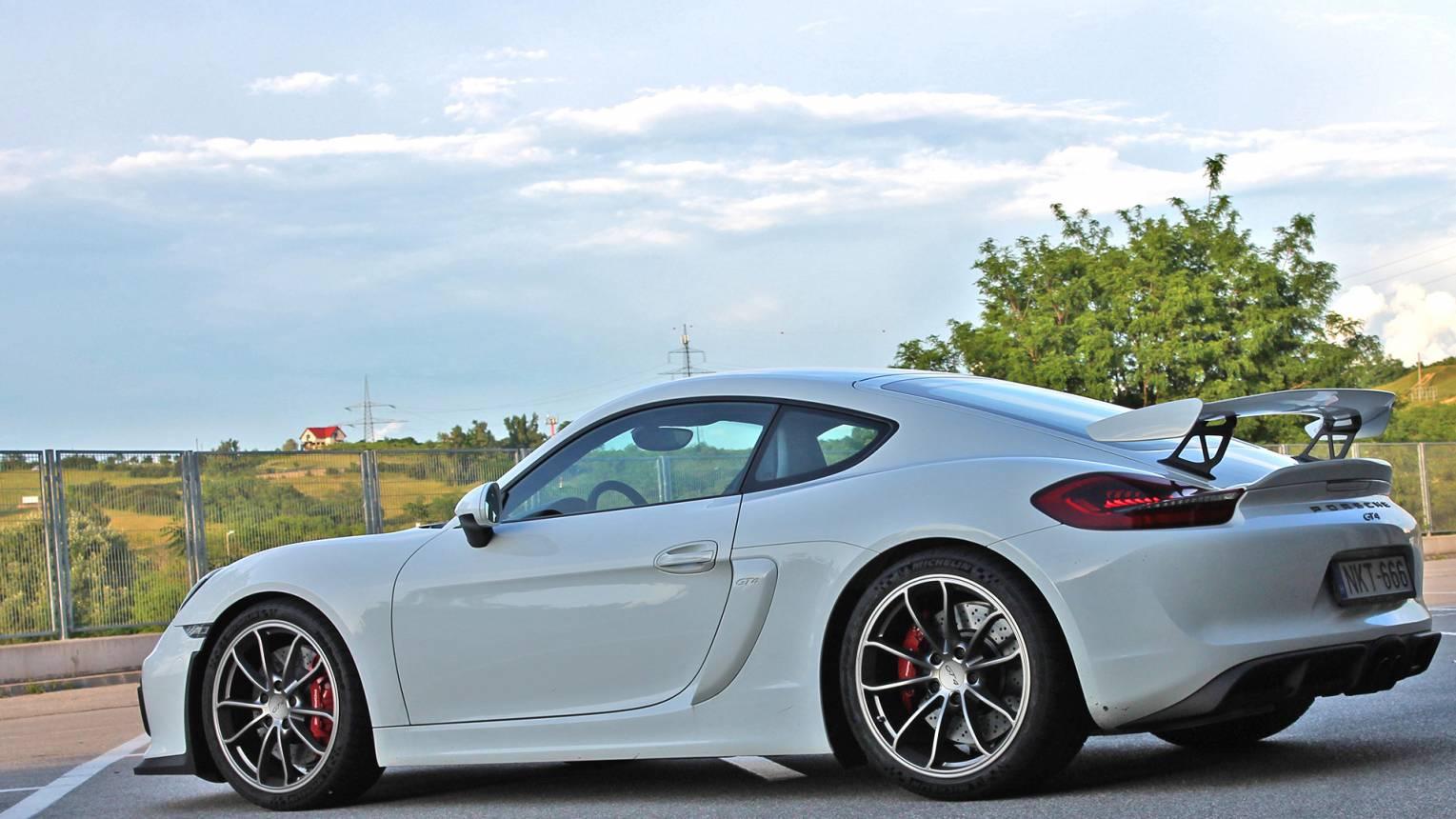 Porsche Cayman GT4 élményautózás a Hungaroringen