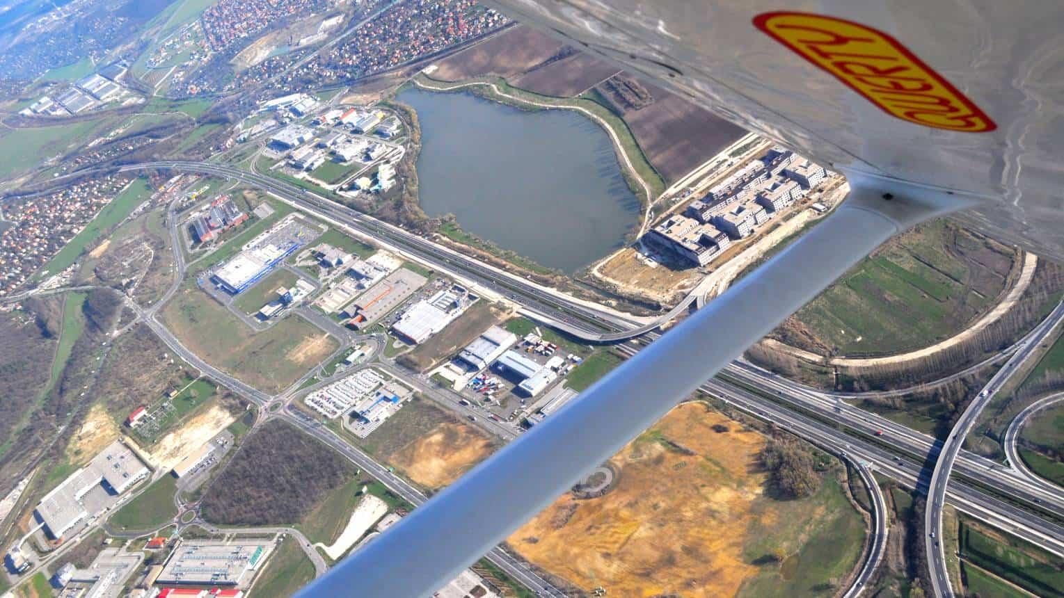 Családi városnézés repülővel 3 fő részére