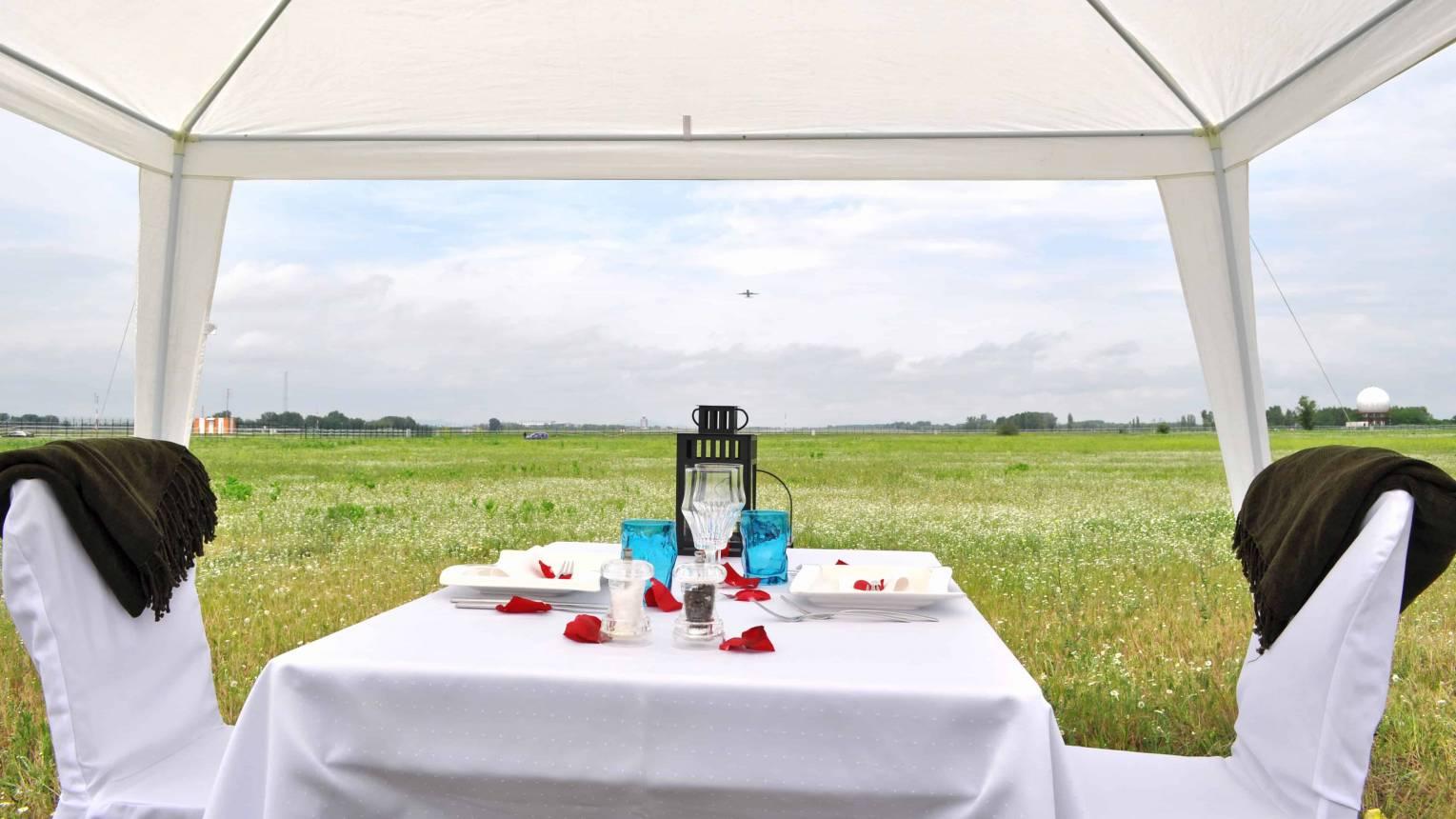 Romantikus ebéd/vacsora a repülőtérnél