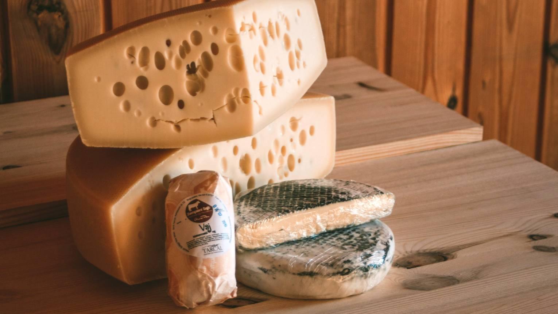 Kézműves sajtkóstoló Tokajban Szilágyi Tibor különlegességeiből
