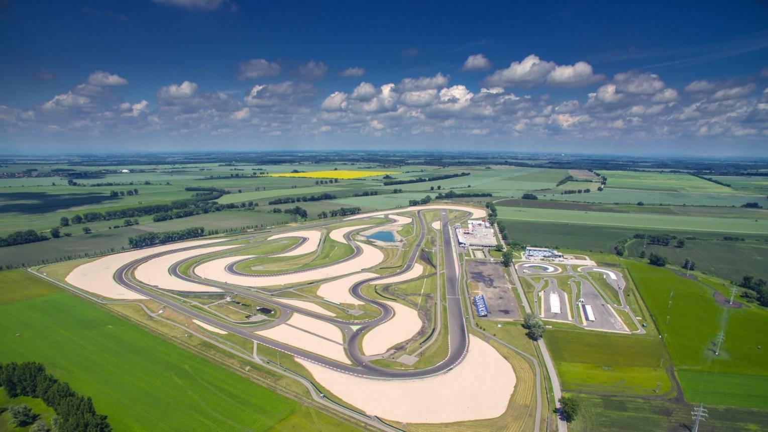 McLaren MP4-12C F1 vezetés a Slovakia Ringen