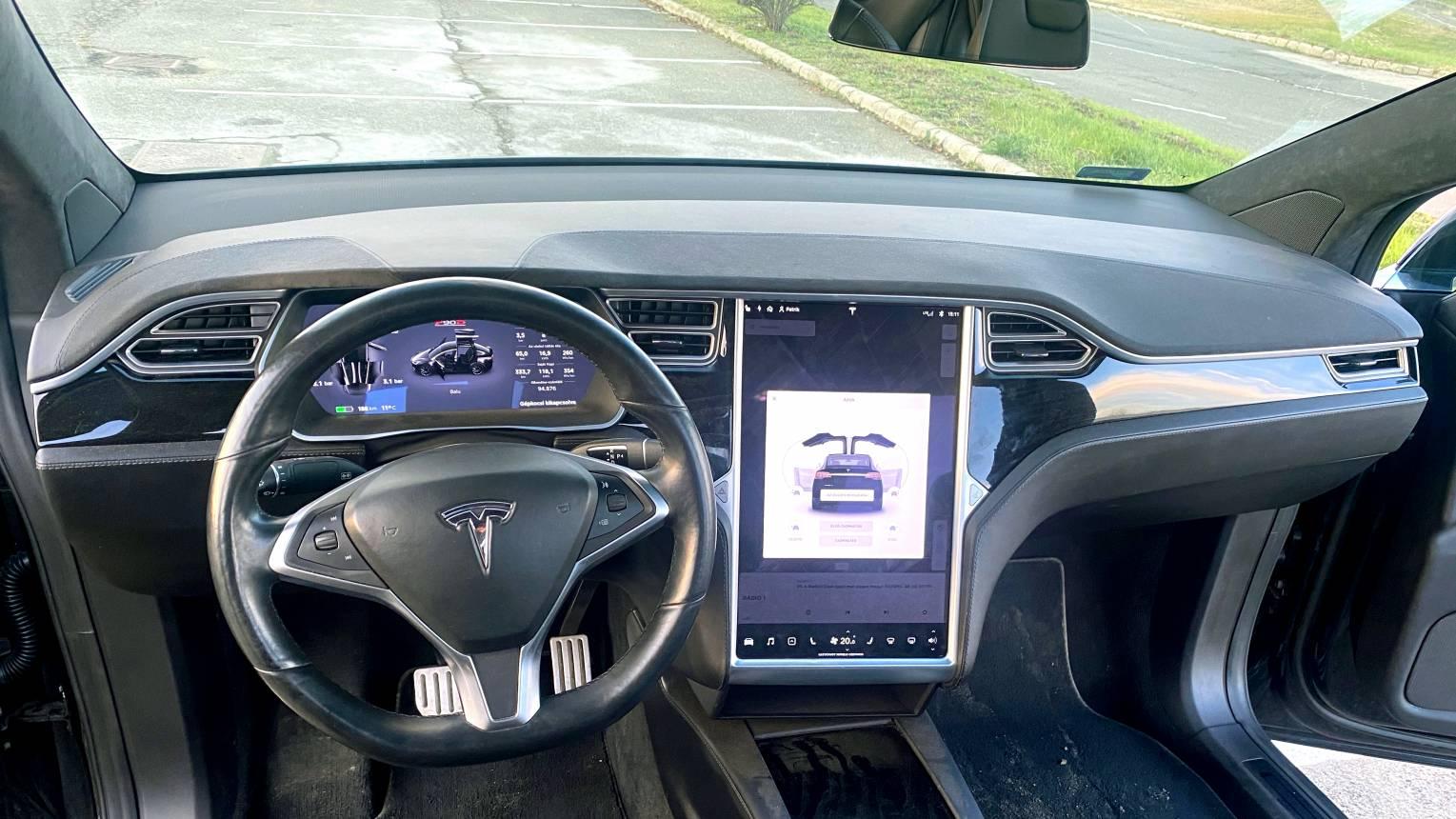Tesla X vezetés / Kicsit lépjünk oda csomag