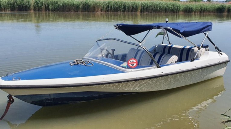 Engedély nélkül vezethető motorcsónak Gobbi15 Open a Ráckevei Duna-ágban