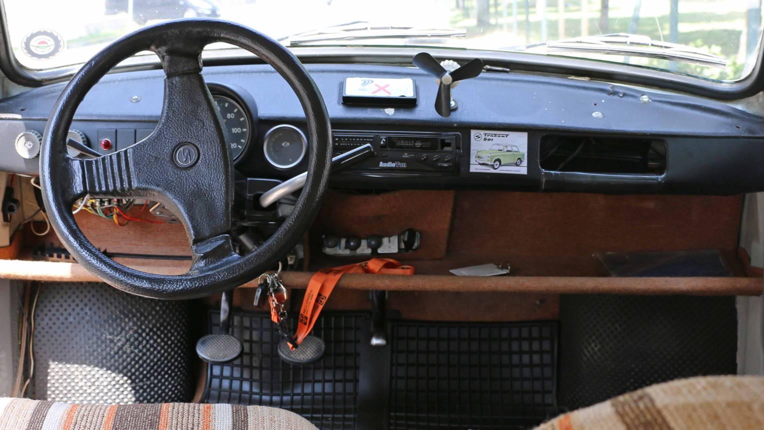 Trabant után ülj egy 400 LE-ős Dodge Chargerbe/ Születésnapi meglepetés