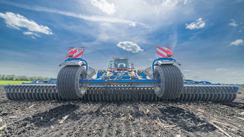 Traktor vezetés