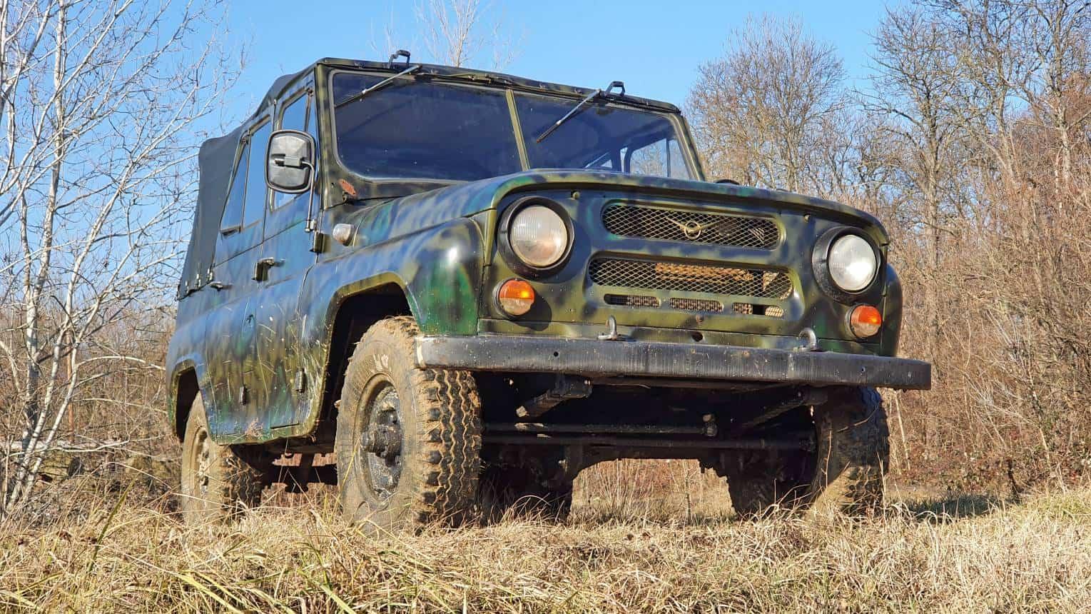 UAZ katonai terepjáróval off-road vezetés