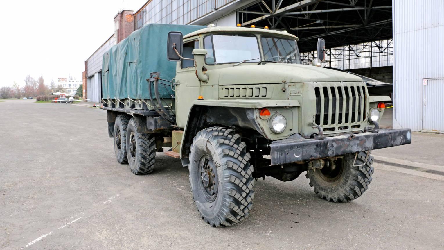 URAL, katonai jármű vezetés