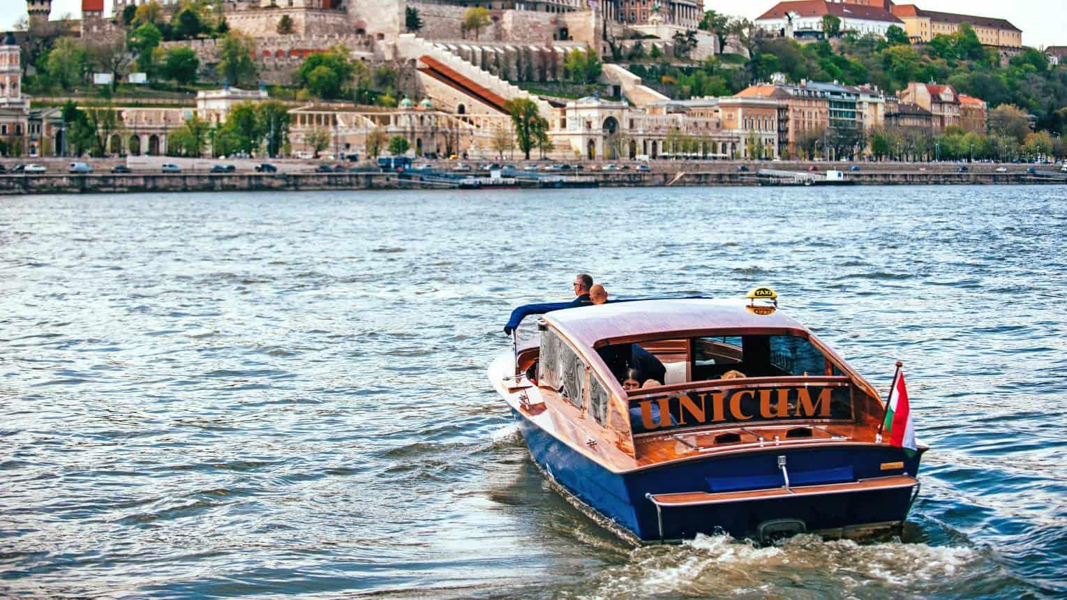 Budapesti városnézés, Vízi Limuzinnal